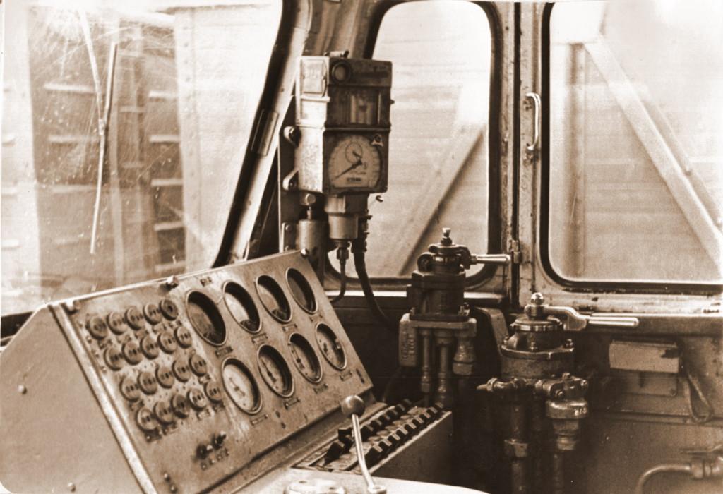 Так выглядит рабочее место машиниста электровоза