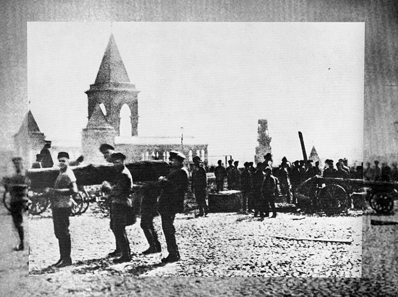 1 мая 1920год. В.И.Ленин в Кремле на первом Всероссийском субботнике