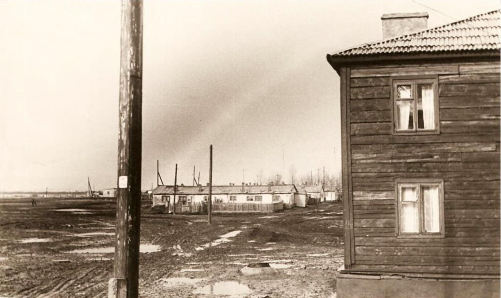 Перекрёсток улиц Комсомольской и Строителей Хорошо просматривается поле стадиона
