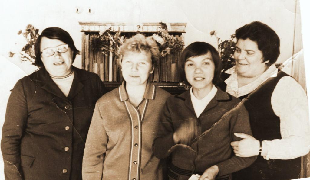 Лидия Николаевна с коллегами