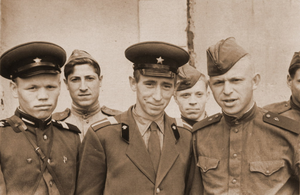 Старшина роты мостовиков - Роговский