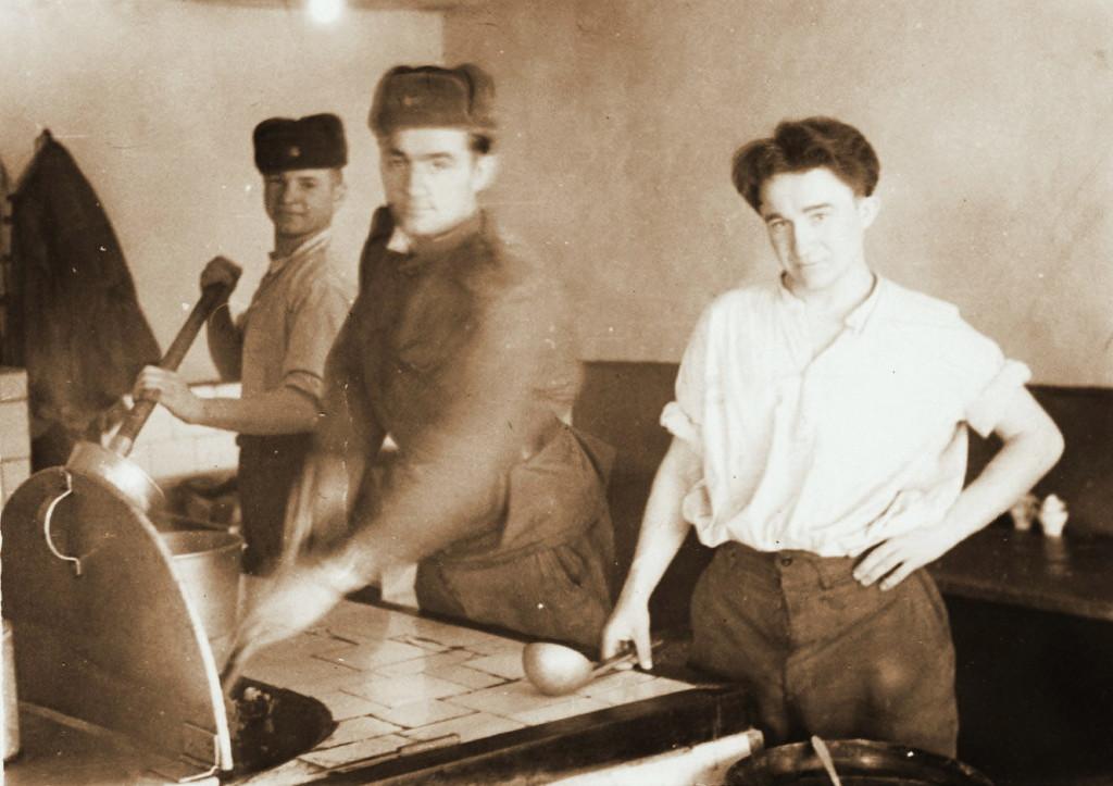 Солдатская столовая