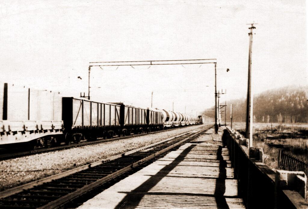 1971 год Станция Мана. Поезд в Саянскую