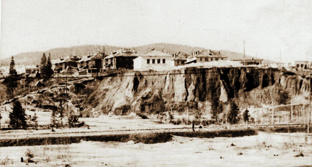 1972 год Кошурниково. Посёлок на горе